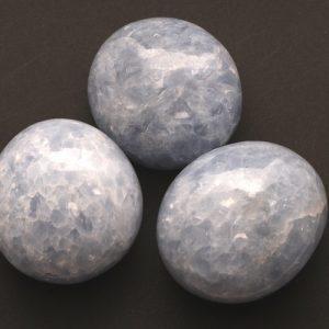 Blauwe Calciet Knuffelsteen Groot